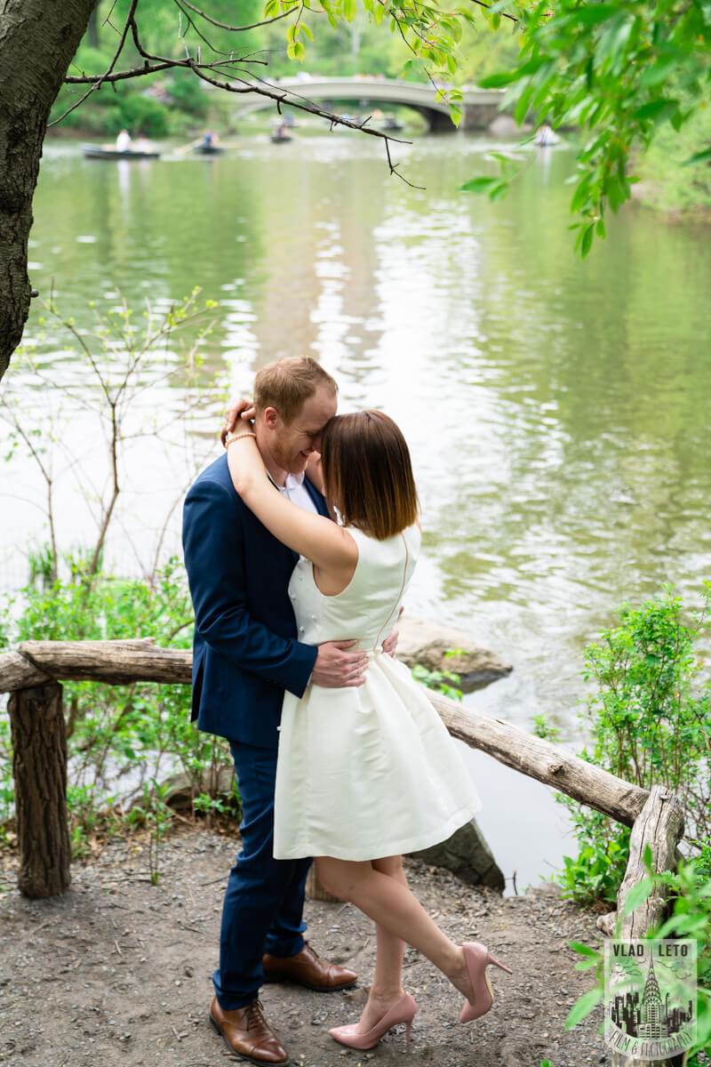 Photo 3 Proposal in front of Bow bridge in Central Park. | VladLeto