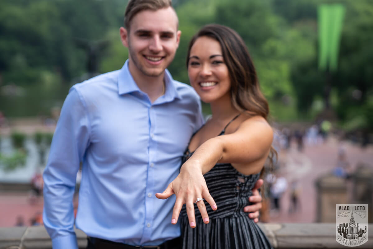 Photo 17 Central Park Surprise proposal by Gapstaw Bridge. | VladLeto