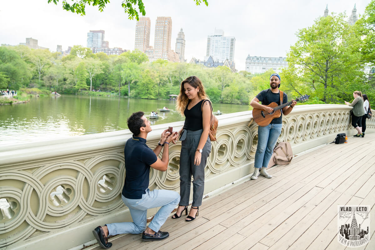Photo Proposal on Bow Bridge Central Park | VladLeto