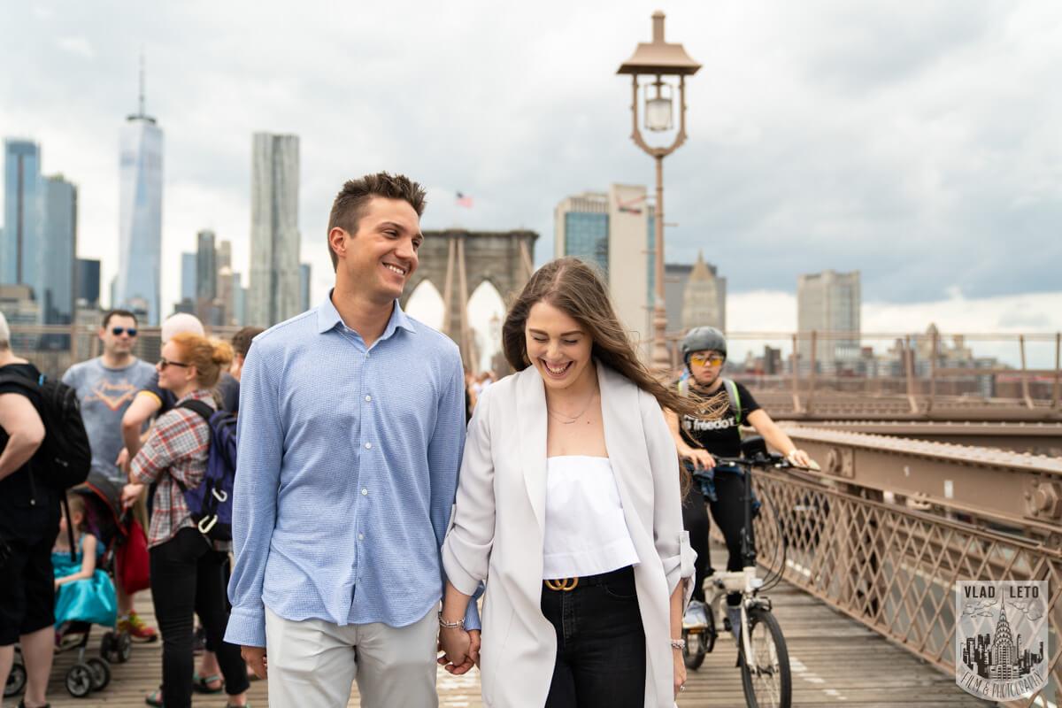 Photo 4 Brooklyn Bridge Engagement Photos | VladLeto