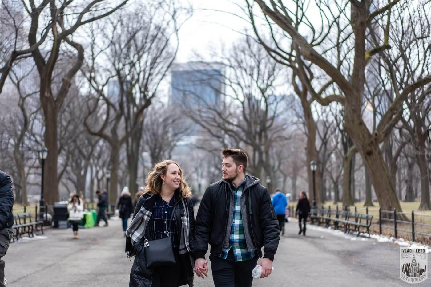 Photo 7 Bow bridge wedding proposal in Central Park | VladLeto